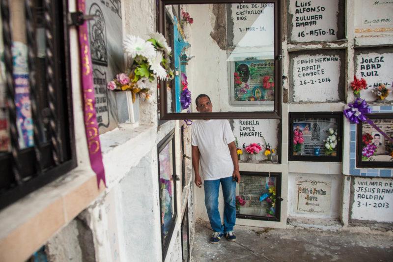 Colombia – The town that adopted the unknown dead